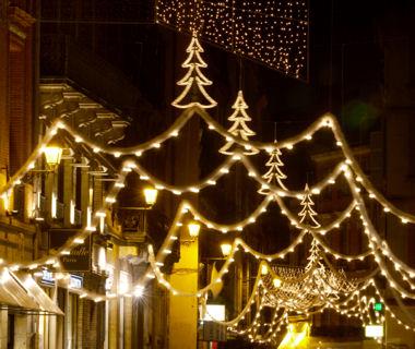 Combien d pensent les villes pour les illuminations de no l toulouse euros for Illumination exterieure pour noel