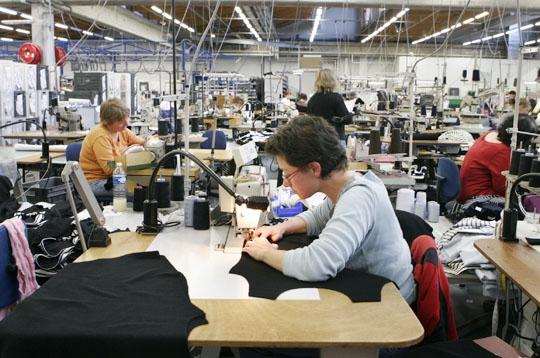 L 39 atelier de couture plus gros contingent de salari s de for Atelier couture a lille