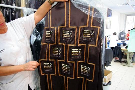 Un client exigeant zilli dans l 39 atelier du pr t porter de luxe sur journal du net economie - Offre d emploi pret a porter paris ...