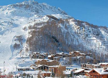 les plus grandes stations de ski val d 39 is re 35 2 millions d 39 euros. Black Bedroom Furniture Sets. Home Design Ideas