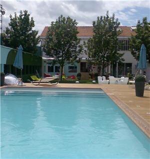 Se meubler comme la t l vision des retomb es for Fournisseur piscine