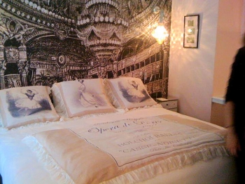 les suites de l h tel le pradey by chantal thomass le blog d 39 ambre. Black Bedroom Furniture Sets. Home Design Ideas