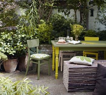 Peinture : comment mettre de la couleur au jardin ?