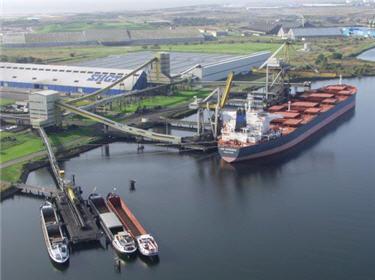 sur les docks du port du havre
