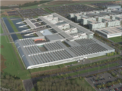 http://management.journaldunet.com/diaporama/renault-technocentre/images/vue-aerienne.jpg